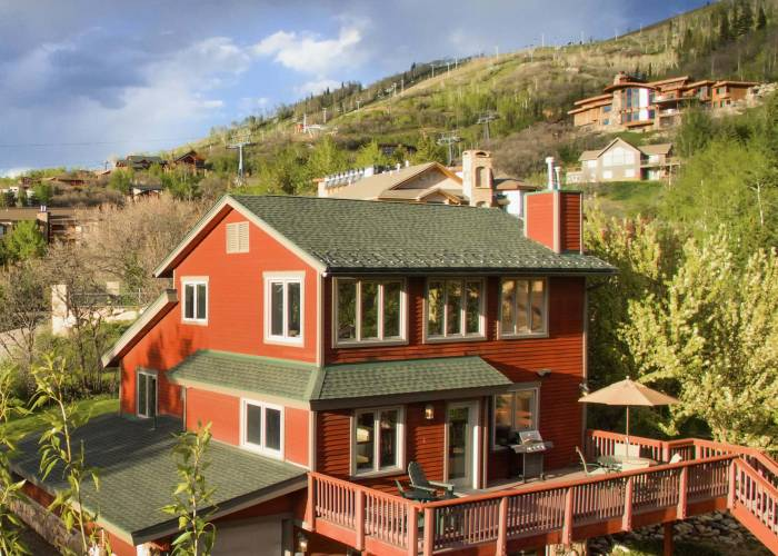 Kristen Chalet By Retreatia Vacation Rentals